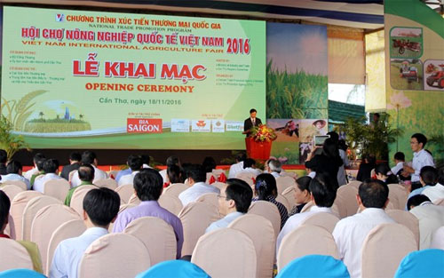 Int'l agriculture trade fair opens in Can Tho