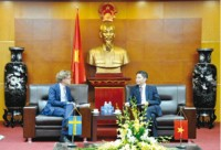 vietnam attracts swedish investors