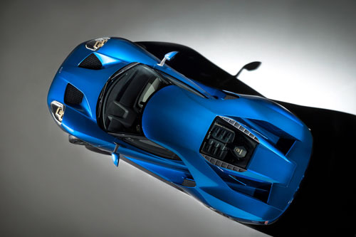 First Gorilla Glass hybrid windshield technology on all-new Ford GT supercar