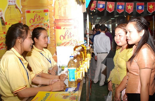 Vietnam-Lao Trade Fair 2015 opens