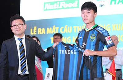 Truong signs with Korean team